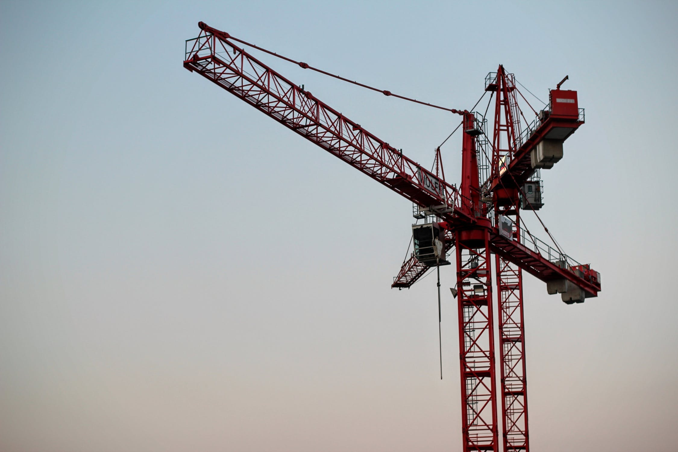 Crane Oversailing | Crane Oversail Licence | Myerson Solicitors